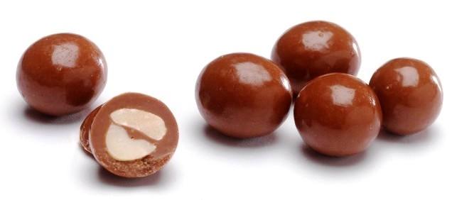 http://bernartze.e.b.f.unblog.fr/files/2015/06/cacahuetes-enrobees-de-chocolat.jpg