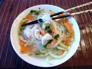 Soupe vietnamienne aux crevettes et vermicelles de riz