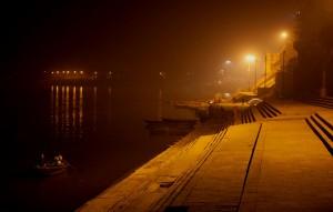 Arrivée sur les ghâts (Varanasi)