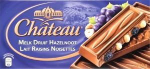 Château lait raisins noisettes
