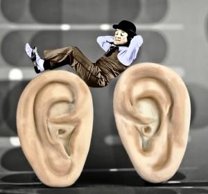 ''Dormir sur ses deux oreilles'' par Sylvain Granjon